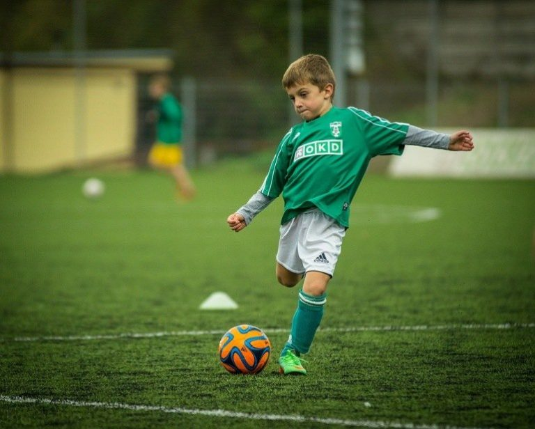 Adidas Fußball-3