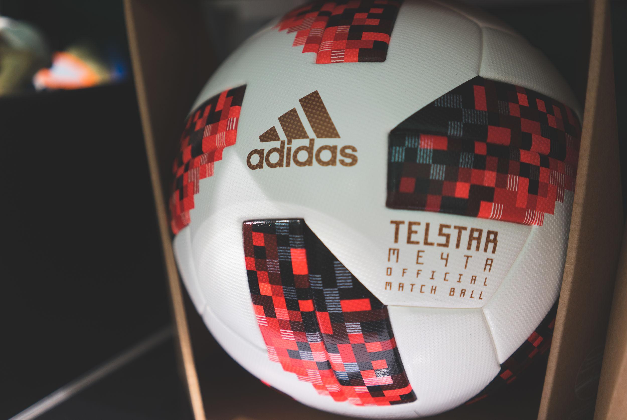 Adidas Voetbal: Wat zijn de beste producten van (09/21)?