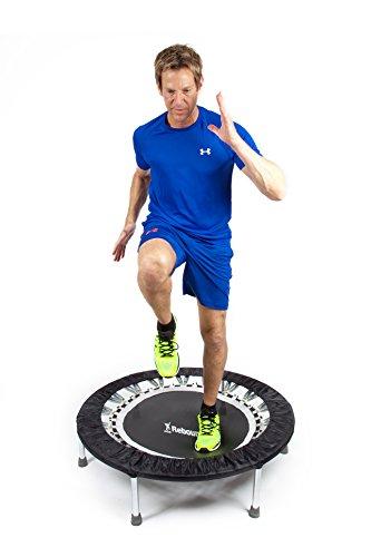 Hoogwaardige professionele mini-trampoline rebounder gebruikt door veel van onze topatleten sportsterren en prominenten. Ideaal voor fitness-training, gewichtsverlies, voor ski-fitness. Indoor trampoline voor jumping fitness. tot 140 kg.